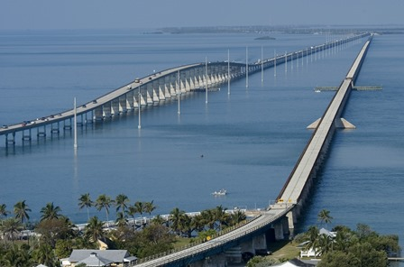 Un des nombreux ponts de l'Overseas Highway© Andy Newman-Florida Keys News Bureau