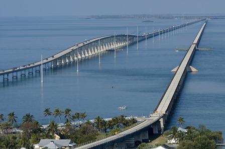 Un des nombreux ponts de l'Overseas Highway© Andy Newman-Florida Keys News Bureau