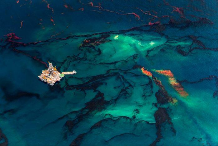 Daniel Beltrá 700x470 - 13ème édition du festival photo La Gacilly : les océans sont à l'honneur