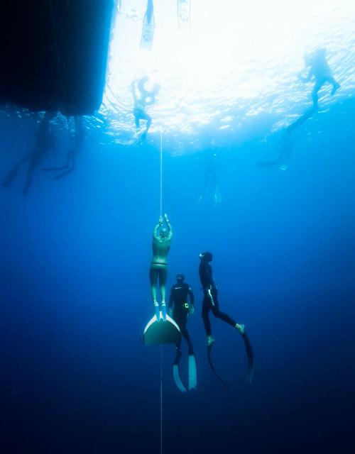 La remontée de Stéphane Tourreau après être déscendu à 96 mètres ©Azur Diving – William Rhamey