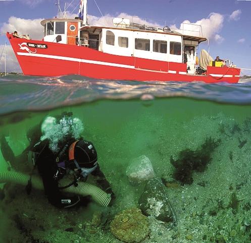L'Hermine Bretagne, navire de recherche archéologique sous-marine utilisé par l'ADRAMAR © SMPE / ADRAMAR