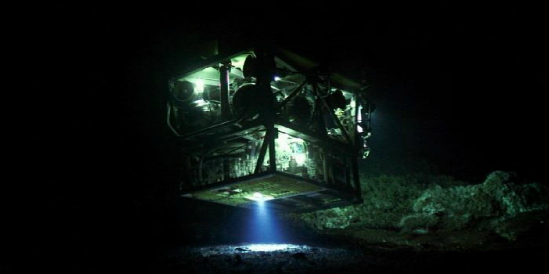 1. Le robot tele opere Victor 6000 a l aplomb des sources hydrothermales DR - Le 9 septembre à Toulon : plongez dans les abysses