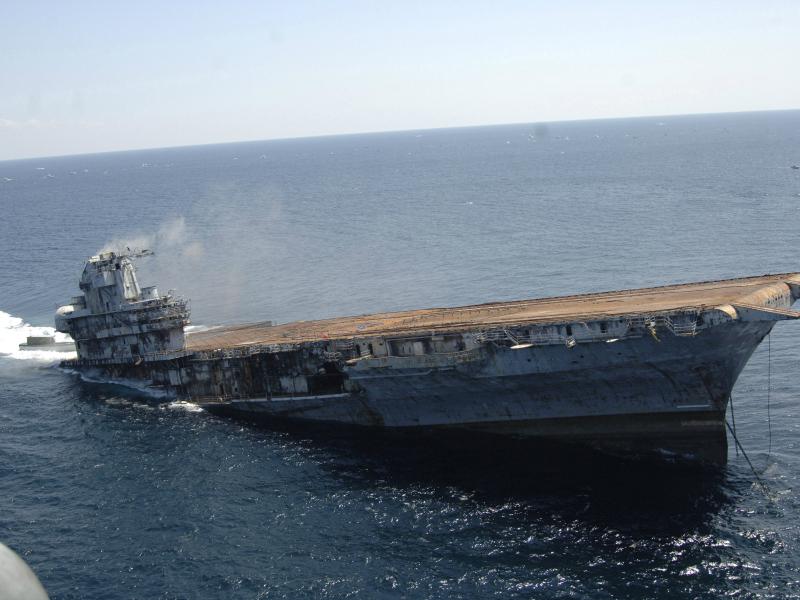 Le sabordage de l'USS Oriskany dans le Golfe du Mexique en 2006 ©US Navy