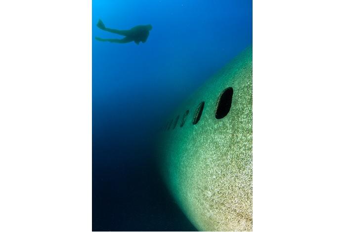 L'avion de 55 mètres de long est accessible à tous les niveaux de plongée. © Pascal Sturm