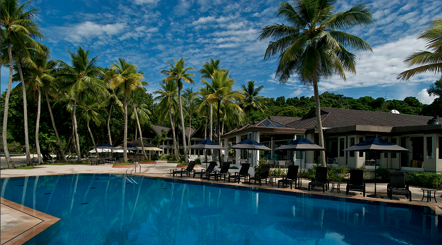 Palau Pacific Resort pool