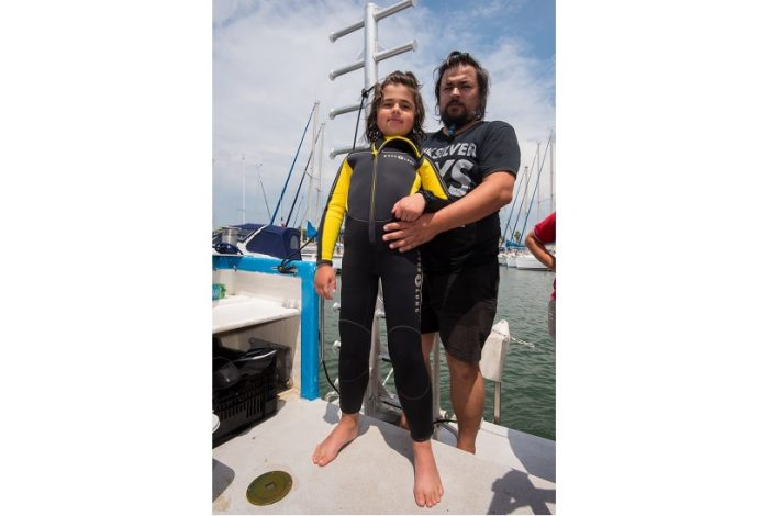Apollo a vécu une superbe expérience lors de sa plongée. Son prochain rêve serait de plonger avec des dauphins. ©Dominique Barray