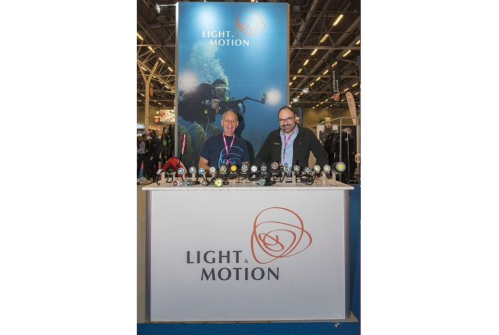 Sur le stand du fabricant Light & Motion. © Dominique Barray