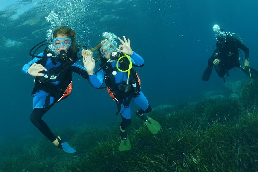 La pratique de la plongée s'est ouverte tardivement aux enfants mais aujourd'hui représente un véritable marché. ©Nicolas Barraqué