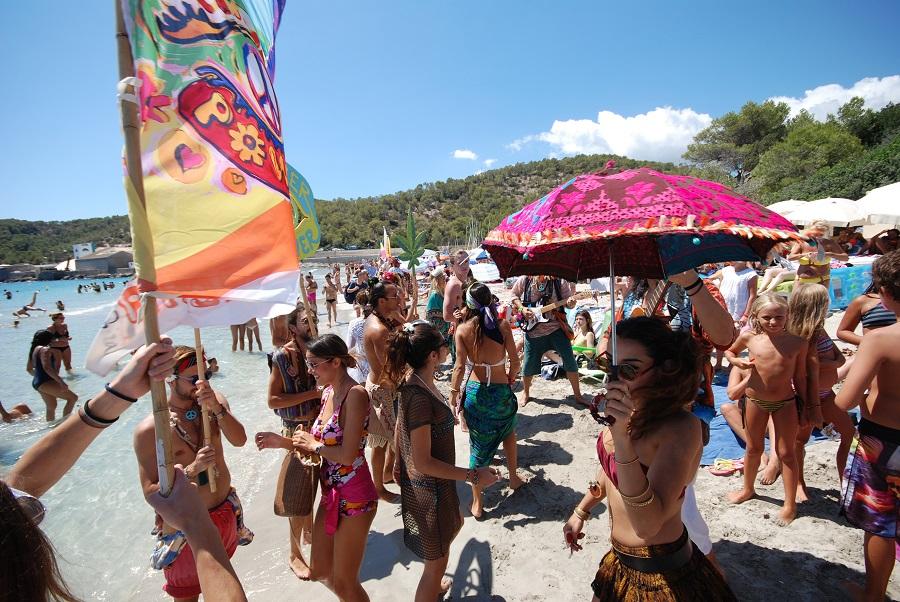 Ibiza est le lieu idéal pour faire la fête mais également pour expérimenter de belles immersions. @Philippe Marques