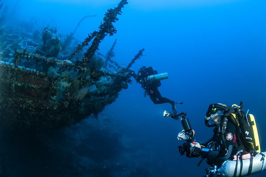 Poupe de L'aida dans les profondeur des eaux égyptiennes. © François Brun.