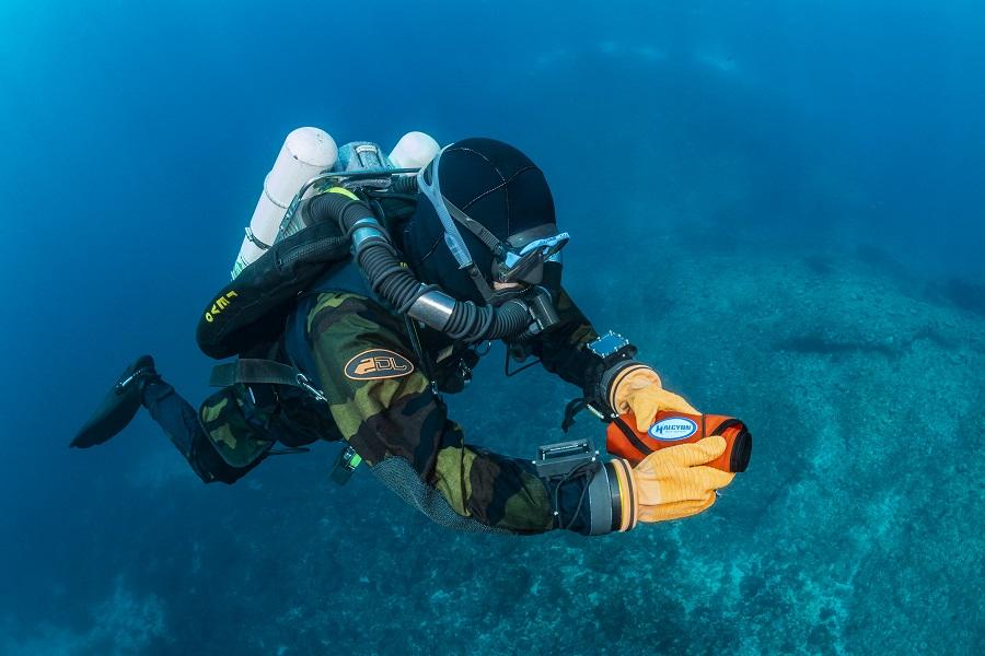 Nicolas Seksik lors d'une plongée au large de Marseille. © Fabrice Dudenhofer.
