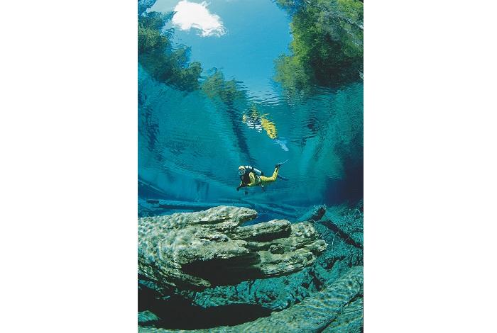 Les lacs autrichiens offrent des plongées étonnantes, ici dans une eau limpide. © Österreich Werbung Aichinger