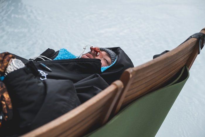 Concentration avant de se mettre à l'eau. © Vaissiere Almo Film