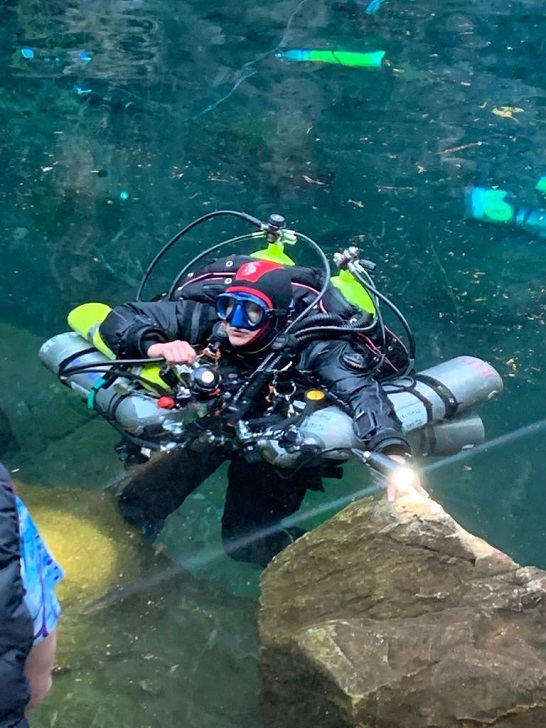 Concentration quelques seconde avant l'immersion qui validera son record. © équipe de Karen Van Den Oever