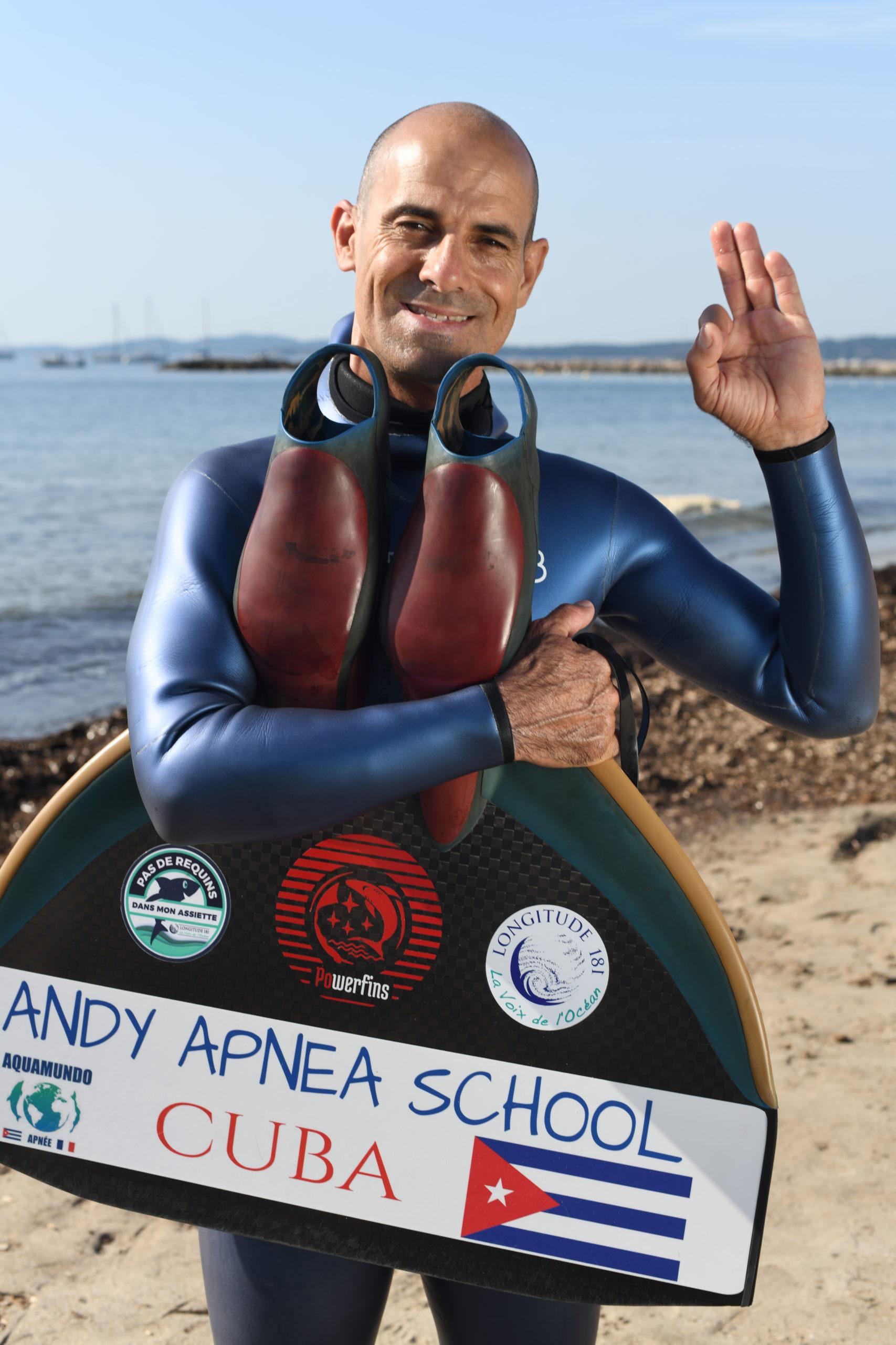 Portrait d'Andy Cabrera Avila avant de se lancer à l'eau. © Yann Valton