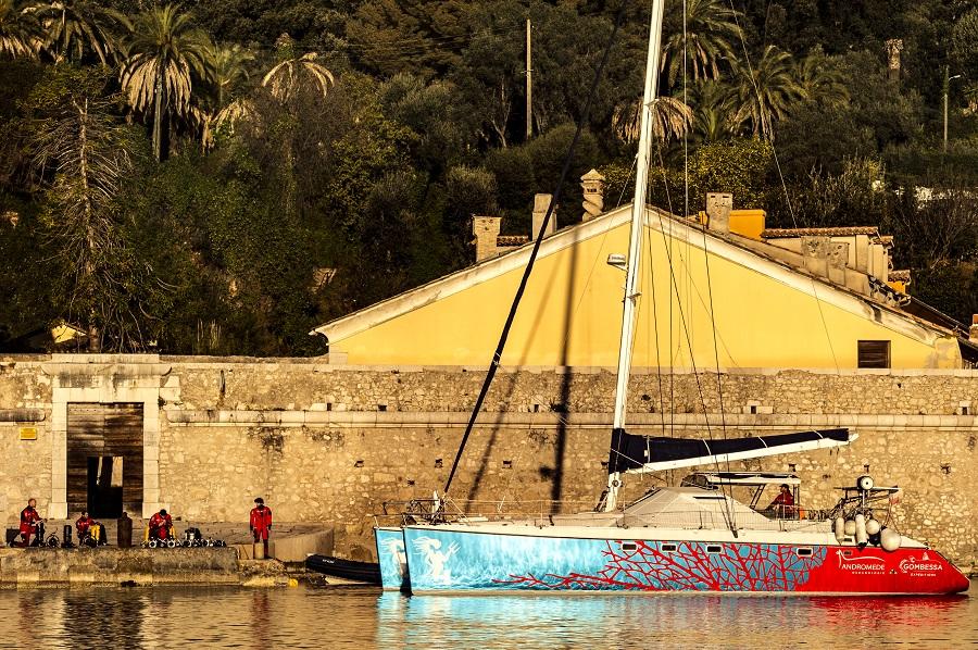 Le Zembra, catamaran de l'équipage d'Andromède Océanologie. © Andromède Océanologie